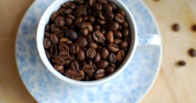 Automatyczny ekspres do kawy: dlaczego warto mieć go w domu?