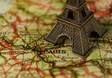 Paryż atrakcyjnym celem podróży dla polskich turystów jesienią
