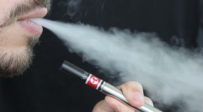 E-papierosy wydzielają o kilka tysięcy mniej toksycznych substancji niż tradycyjne wyroby tytoniowe