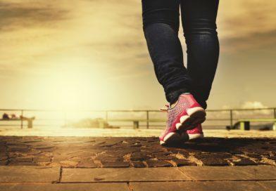 W średnim wieku opłaca się szybko chodzić